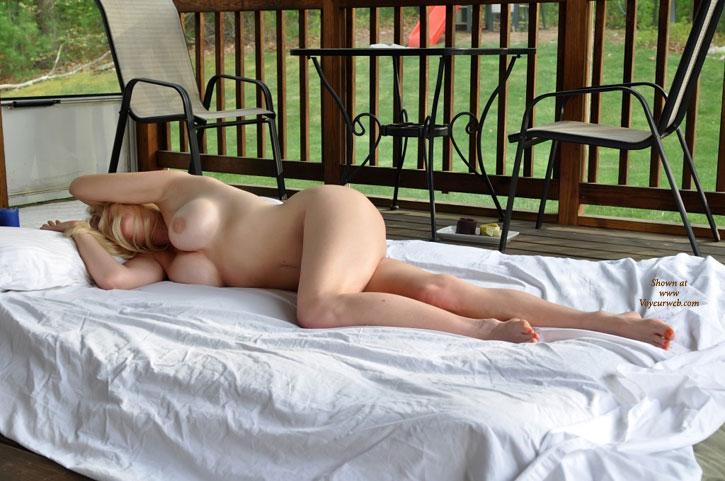 Good neighbors wife naked