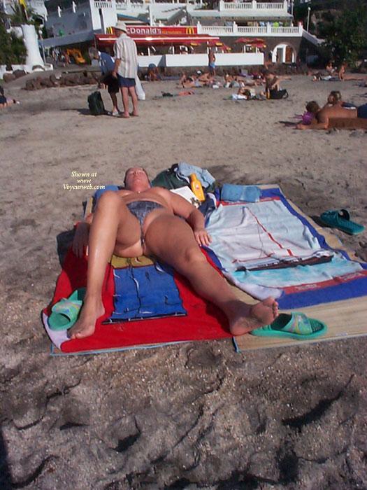 Pic #1 Beach Voyeur:Pussy Slip