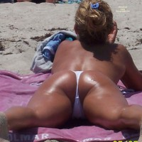 Beach Voyeur: Beach Crotch Shots And Bubble Booty's