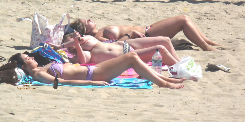 Uk beach topless