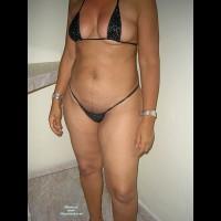 Girlfriend in Swimwear:Milagros En Bikini