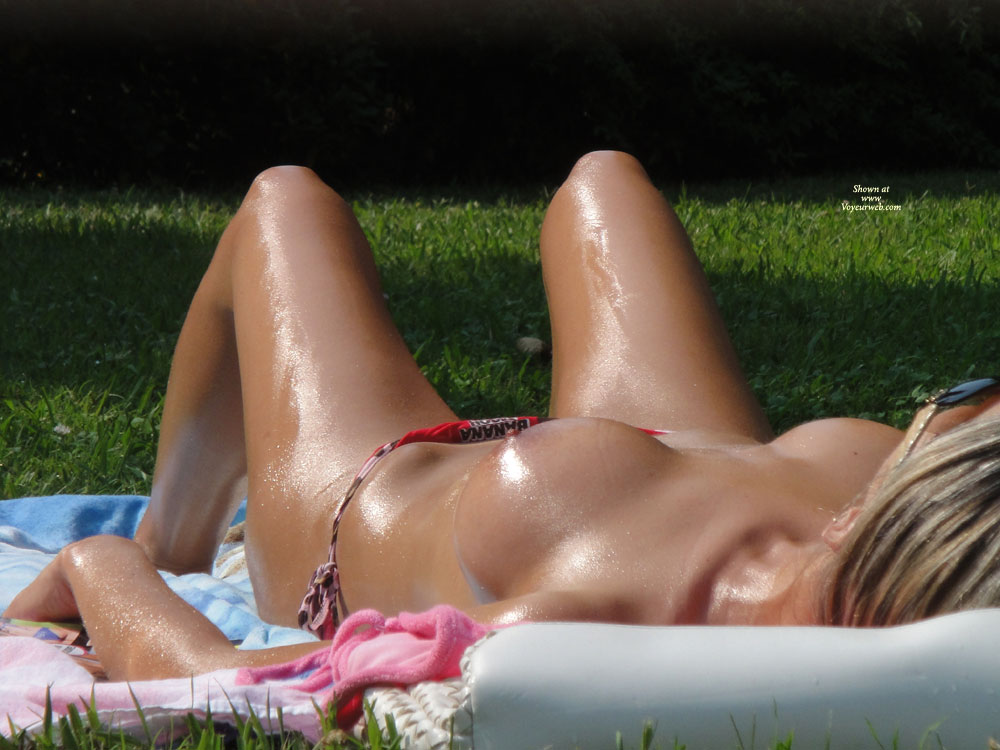 Perfect Tits - Topless , Panties Ass, Sunbathing In The Park, Sexy Outside, Tanned Body, Enhanced Boobs, Sexy Girl, Oiled Skin, Curvy Tits, Street Voyeur, Sun Kissed Lady, Hot Girl, Park Voyeur