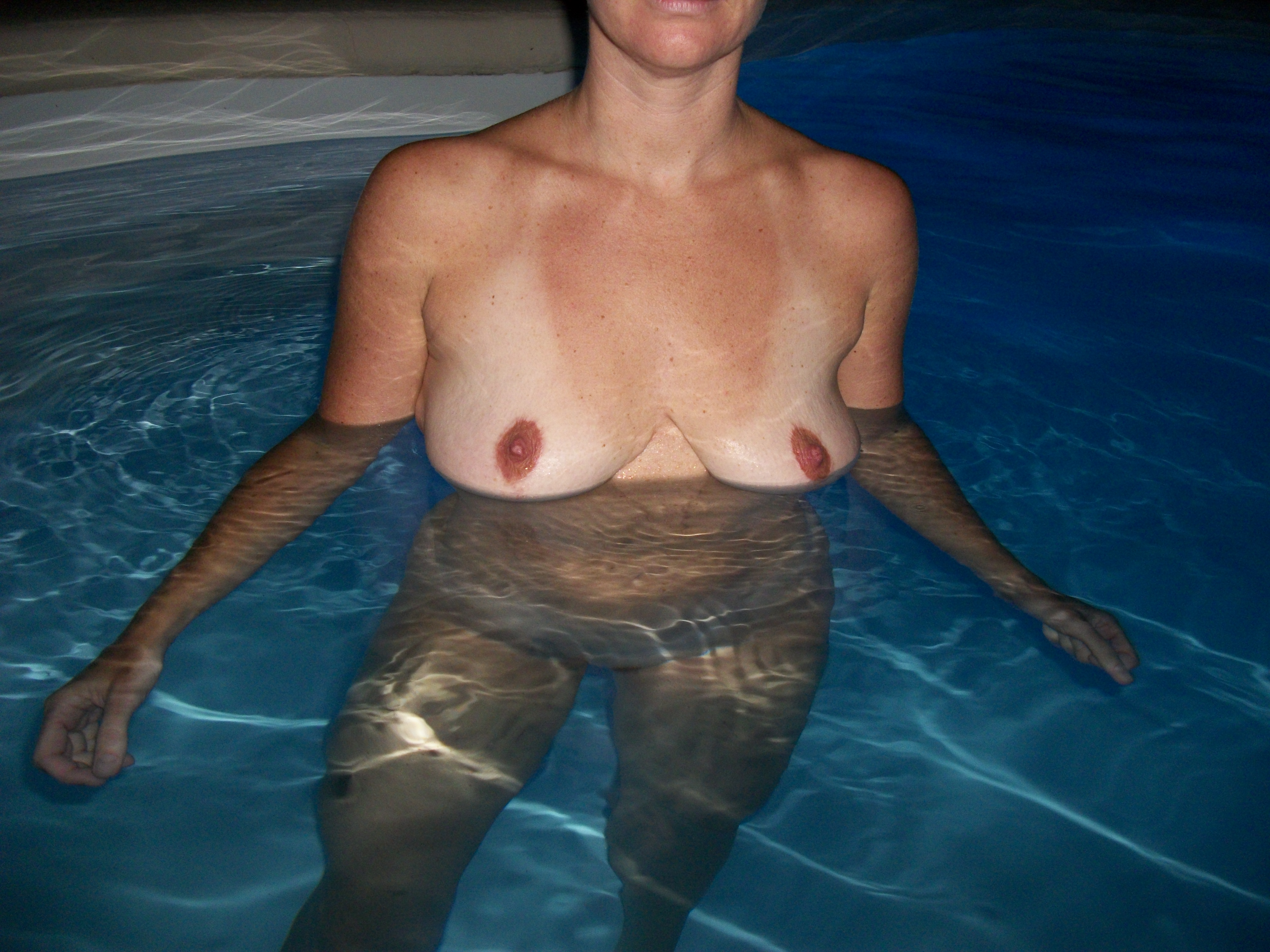 Pic #1Nude Wife:Vacation