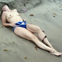 Jackielee: Sand Between My Toes?
