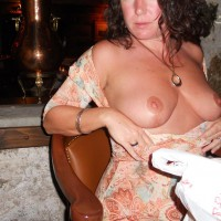 Nude Me:Dinner And A Flash