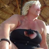Topless Me:Maria Weisse Haengebrueste VI