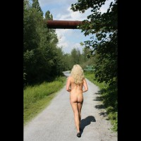 Nude Girlfriend on heels:Tina Im Ruhrgebiet