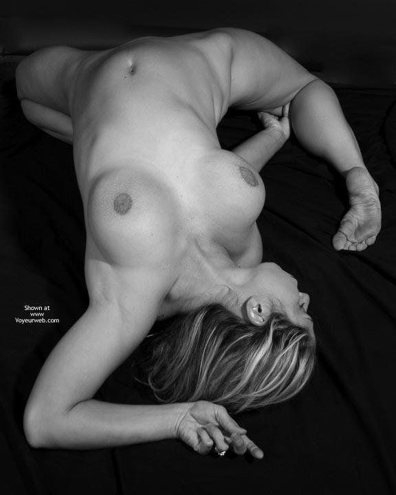 Flexible Girl - Nude Amateur , Big Breast Reclining Nude, Bent Backwards, Muscular Contortion Legs Go Under, Sole Of Feet, Expressive Feet, Nude Flexible, Flexible, Wedding Ring, One Shot From The Top