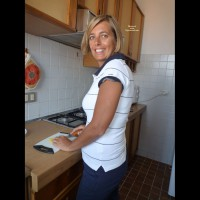 Nude Wife on heels FD Paola In Cucina Paola In The Kitchen