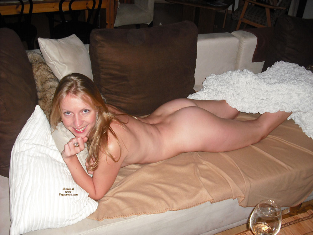 Nude Girlfriend Lying On Couch Belly Down - Blonde Hair, Blue Eyes, Long Hair, Milf, Round Ass, Looking At The Camera, Naked Girl, Nude Amateur , Posing, Laying On Stomach, On Couch, Smiling, Lying On Couch On Stomache, Lying On Stomach, Nice Smile, Ass Up, White Round Ass, Nice Ass