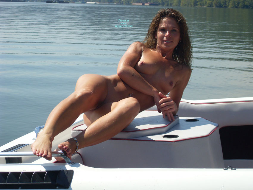 Nude Amateur: Ohio River , Naked On The Ohio River.