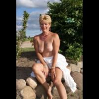 Nude Wife on heels:Mature Lady