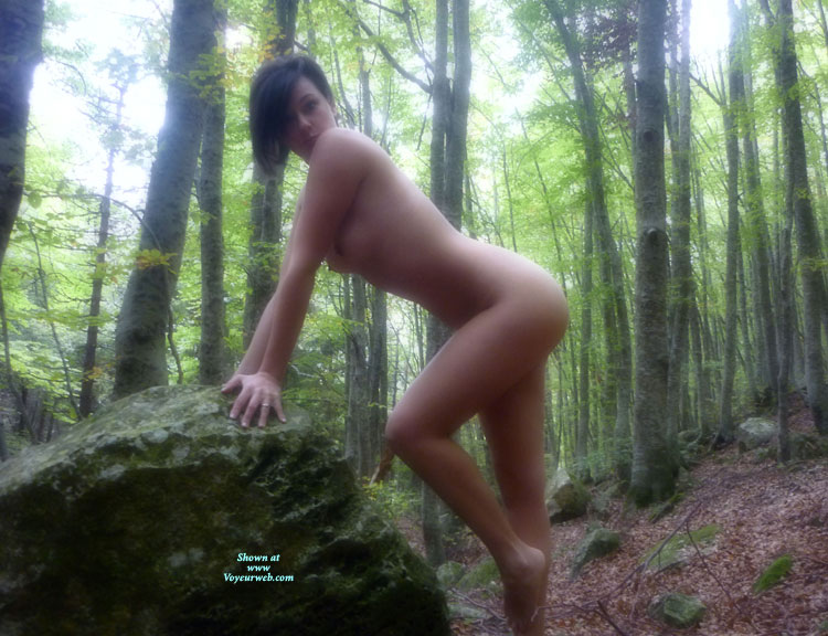 Softly Curved Naked Body - Brunette Hair, Dark Hair, Nude Outdoors, Small Tits, Looking At The Camera, Naked Girl, Naked Wife, Nude Amateur, Nude Wife , Beautiful Shape, Wood Nymph Ready To Have Sex, Leaning On Rock, Mother Nature, Outdoor Nudity, Knee Bent