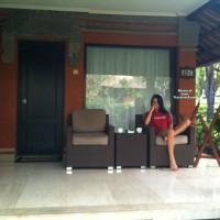 Bottomless Wife:Jeni: Back From Bali