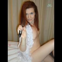 Nude Me:Hairbrush Time