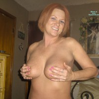 Nude Wife:*HB Hb Red's Handbra Entry