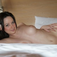 Nude Amateur: Hotel Shoot