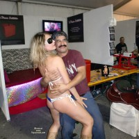 Bottomless Girlfriend:Ele And The Sexexpo
