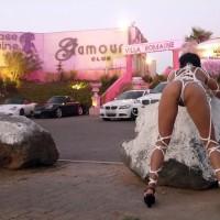 Nude Wife on heels:Bondage In Cap D'agde