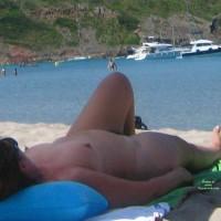 Beach Voyeur:Big Mature Nude Woman