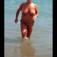 Plump Beach Babe With Lovely Juggs - Se 2005