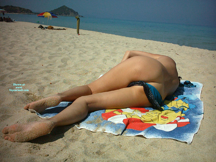 Pic #1Nude Girlfriend: Beach