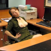 Nude Me on heels:*XM Li'l Phi's Happy Holidays From The Office