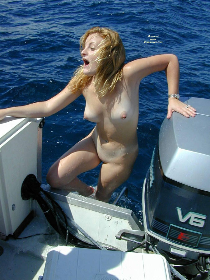 Nude Me:Swimming On The Sea , Some Guys Asked To See Pics Of Myself. OK, Here Are Some Taken On A Boat Ride And Swimming In The Sea.