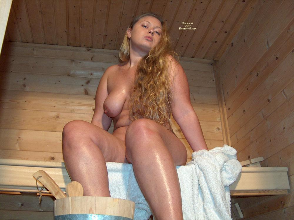 amateur nude sauna