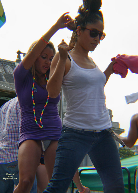 Pic #1Event Voyeur:Dancing On Stage Set 2