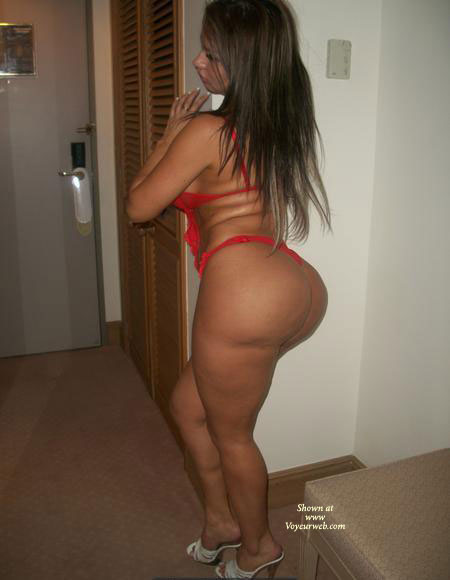 Isa Bunda XXII Rojo , ISA BIG ASS IN RED