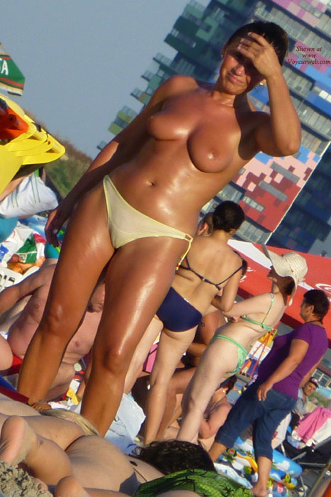Funny Moments On Beach - 2 , Cameltoes All Over Romanian Seaside!