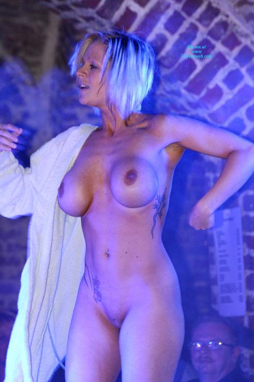 Brussel Erotic Fair 2011 , A Few Shots From Last Night ...