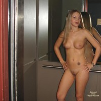 Nude In Elevator - Blonde Hair, Full Nude, Nude In Elevator, Tattoo , Nude In Elevator, Tattoo, Blond Hair, In Front Of Mirror, Stomach Tatoo, Fully Naked, Elevator, Nice Tits And Shaved Pussy, Nude In Lift