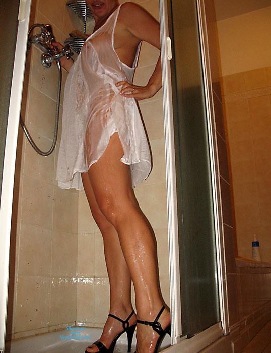 Libellula: Dressed Shower , Wow! Thanks To All Commenters! We're Trying To Reply To Everyone, But It's Becoming A Job! Here Is A Very Softcore Set From Libellula, Hope You Enjoy Even If Not Much Is Shown...  Kisses Libellula&Achille