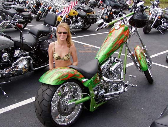 Pic #1 Harley Show Flashing