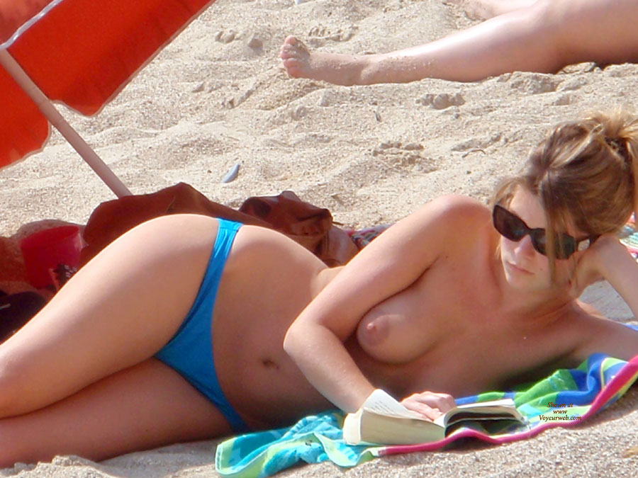 Topless Beach Voyeur - Sunglasses, Topless Beach, Topless, Beach Voyeur , Beach Boob, Large Hips, Maginificent Looking Hips, Sumptuous Looking Body, Inviting Sex Saddle, Big Aereola, Hot Chick Topless On Beach