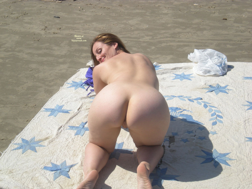 Nude white wife