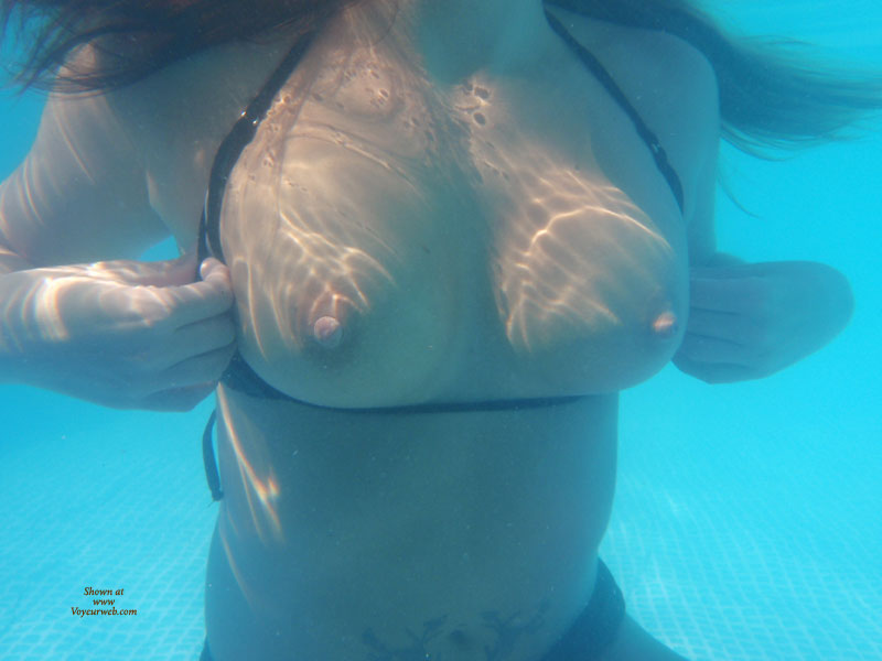 Under water boob video