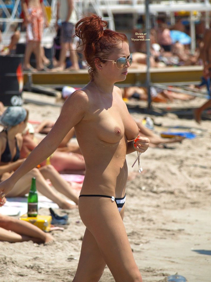 Spectacular Topless Babe Walking On Beach - Long Hair, Red Hair, Sunglasses, Topless, Beach Tits, Beach Voyeur , Red Head, Gorgeous Tits, Red Headed Hottie, Cute Titties, Boob Lishious, Gorgeous Titties, Tight Body, Sexy Hottie, Beach Babe, Long Red Hair