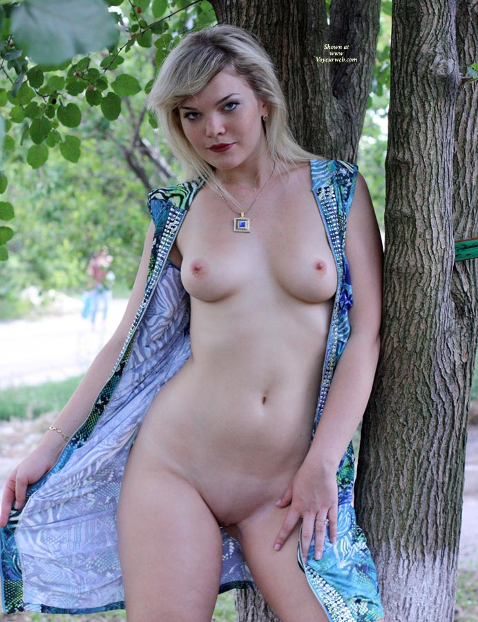 Leona Here Again , My Sexy GF Again Flashing In Public. Leona Like To Do It! Enjoy And Vote If You Want To See More