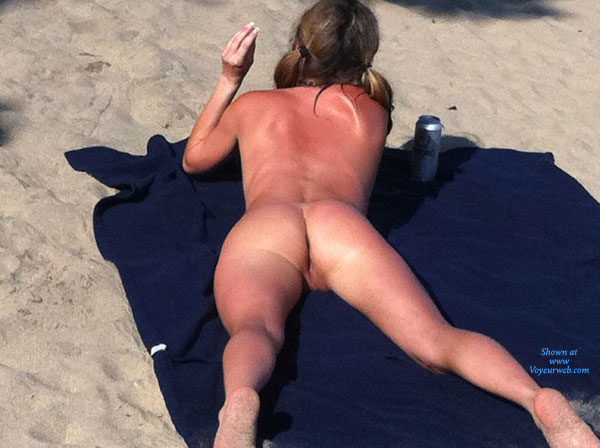 Great View At The Beach , Perfect Day At The Beach, Too Hot !!! Had To Take The Bikini Off. Enjoy !!!