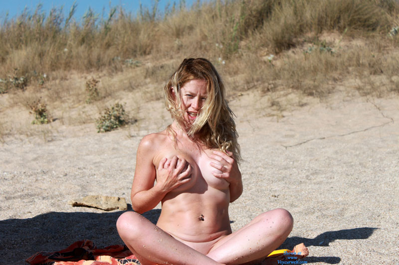 Nude Handbra Babe On The Beach - Big Tits, Blonde Hair, Long Hair, Nude Beach, Beach Voyeur, Nude Wife, Sexy Wife , Big Round Tits, Bit Tits, Sitting On The Beach, Pierced Belly Button, Hand Bra, Blonde Posing Outdoors, Bellybutton Piercing