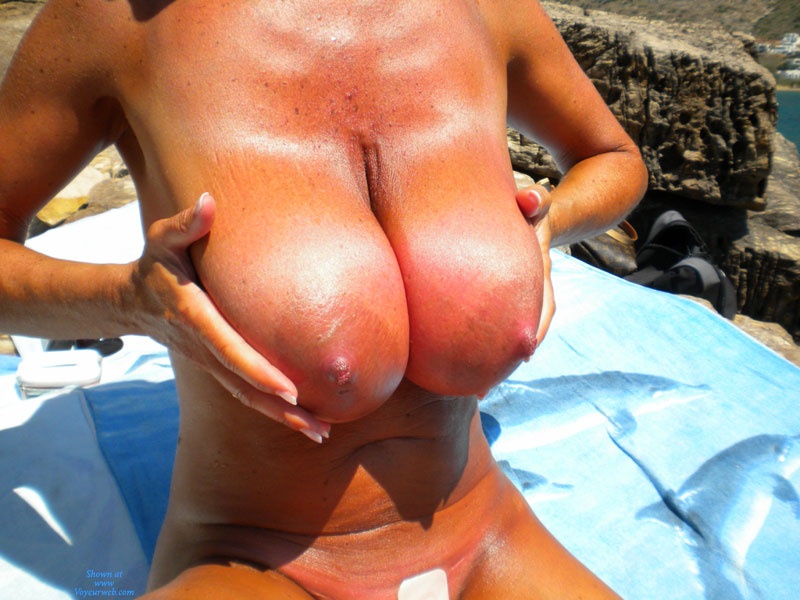 Huge Tits - Huge Tits, Nude Amateur, Nude Wife , Worlds Argest Areolas, Big-breasted Babe, Sunburned Boobies, Heavy Hangers In Sun, Tanned And Burnt, Extremely Heavy Breasts, Sunburnt Monsters, Super Size, Well Tanned Tits