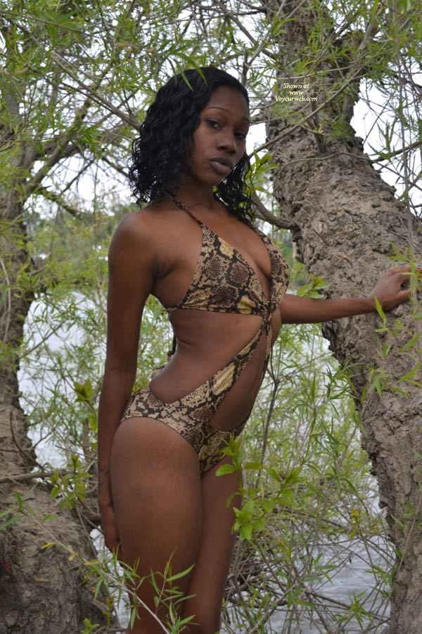 Sexy Ebony Kelli , Just Down By The River For Some Fun.