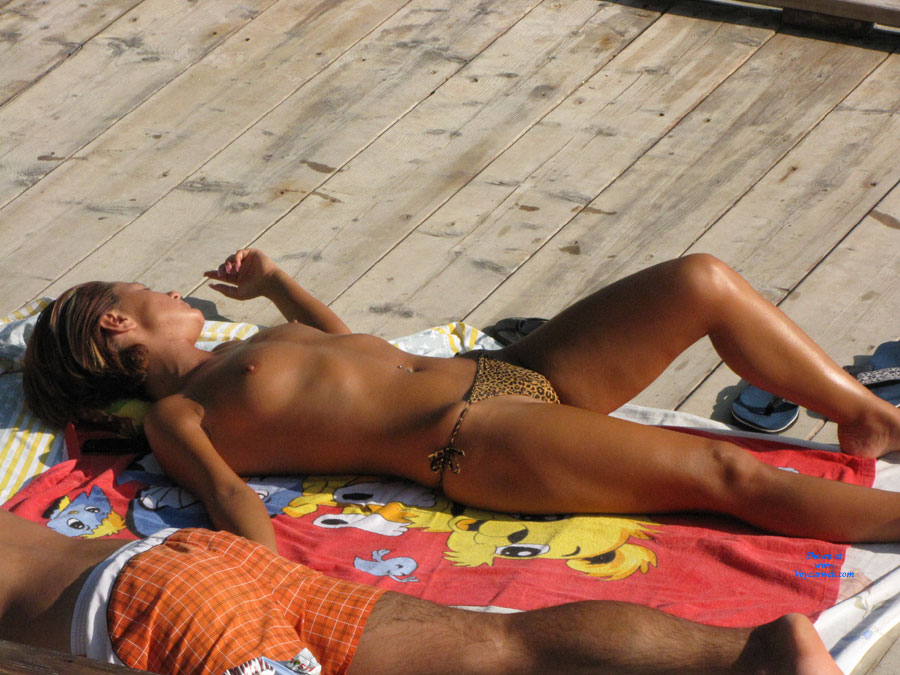 Romanian Landscapes 2011-01 , First Contri From Many. Just Beautiful Girls Tanning.Enjoy.