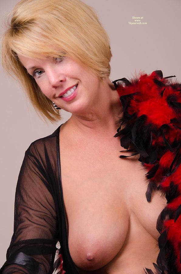 Pic #1Sassy In Red & Black