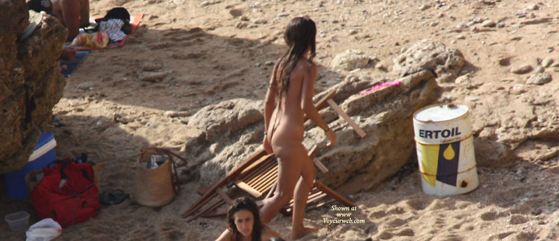 """Beach Hotties , I Saw This 3 """"hippie"""" Girls Having A Sunbath At A Non-nudist Beach And I Couldn't Resist Taking Some Pics."""