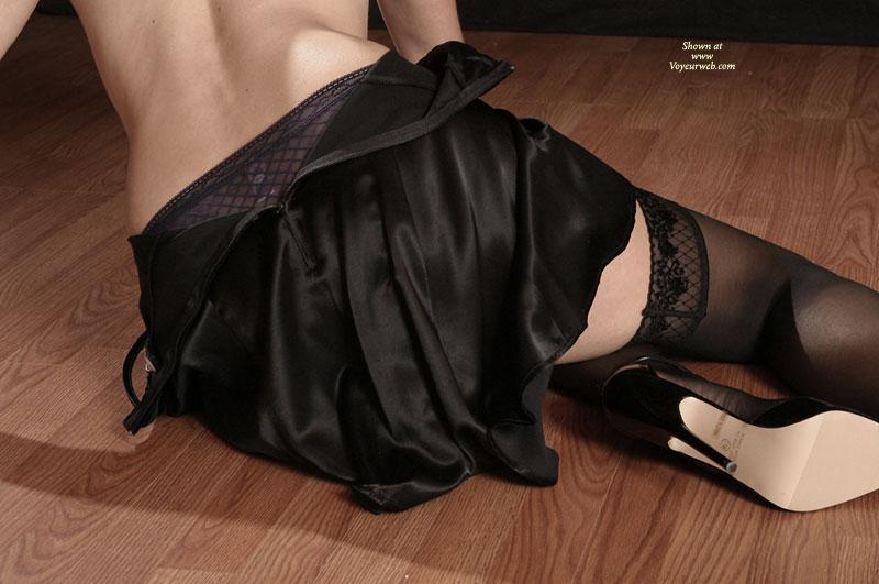 Silk Skirt - Sexy Lingerie , Silk Skirt, Black Stokings, Stocking On Woodenfloor, Black Lingerie, Stockings And Heels
