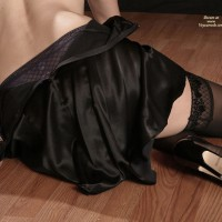 Silk Skirt - Sexy Lingerie , Silk Skirt, Black Stokings, Stocking On Woodenfloor, Black Lingerie, Stockings And Heels